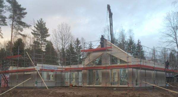 Villa Säveholm Special med spetsfönster istället för Säveholms standard fönster i vardagsrummet.